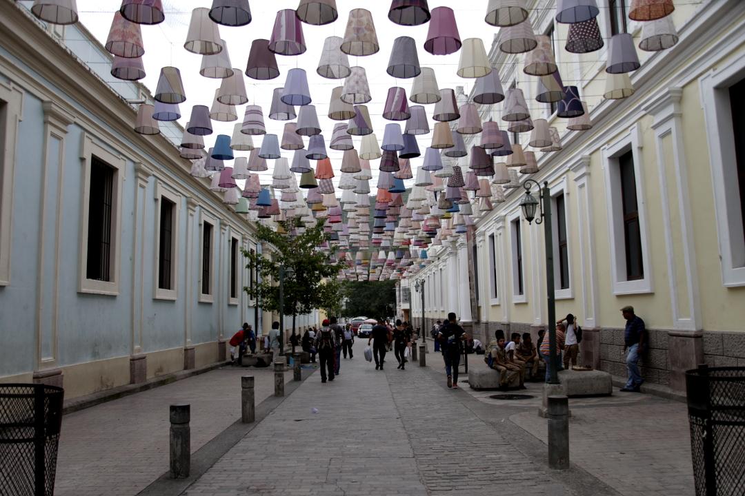 """La expulsión """"cool"""" de los pobres del centro de Tegucigalpa"""