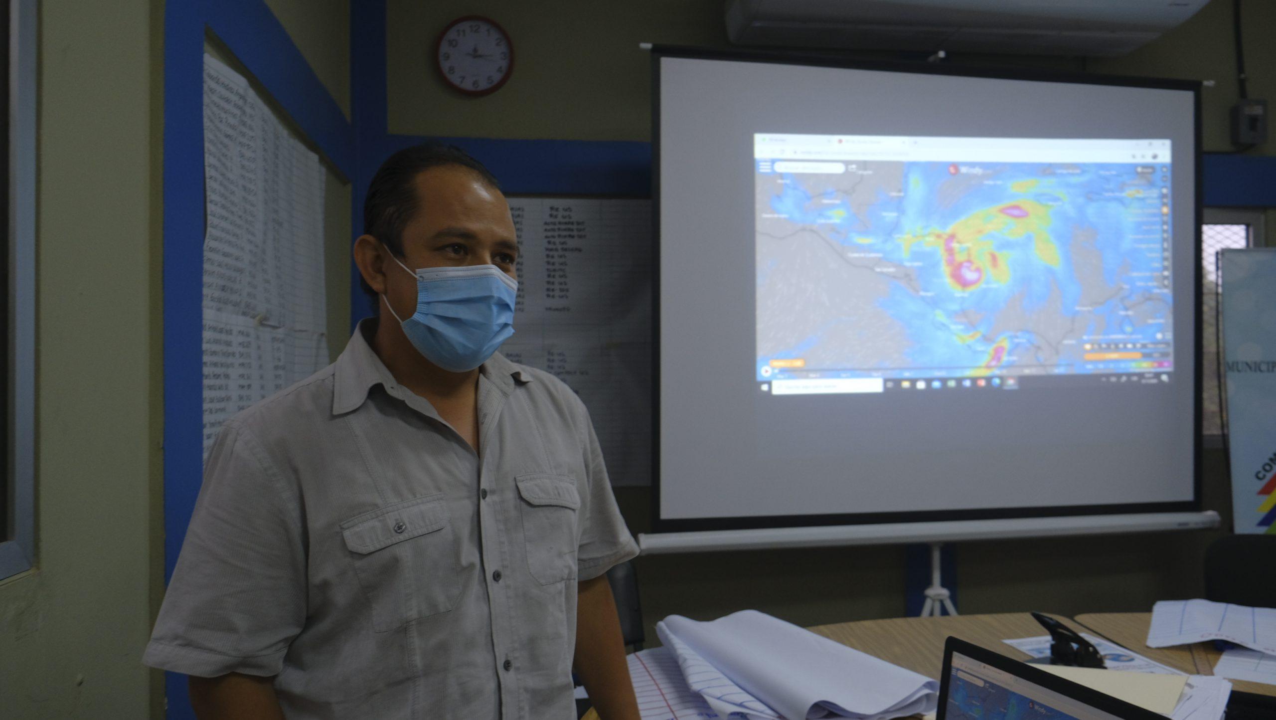 Daniel Romero. Jefe de Gestión de Riesgos del CODEM, Villanueva, Cortés, 3 de noviembre de 2020, Foto, Deiby Yanes.