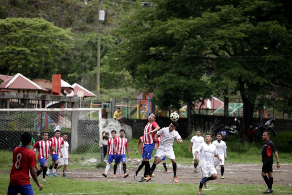 Partido entre los equipos Club América y Cruz Azul