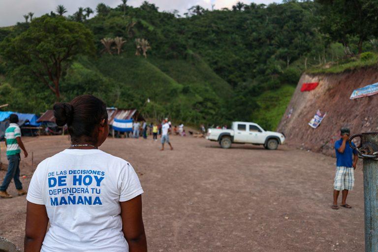 Guapinol-Jóvenes, adultos y ancianos de la comunidad se han unido en defensa del rio