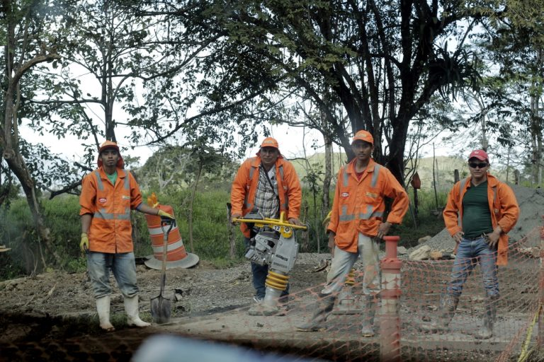 Obreros del Ministerio de Transporte e Infraestructura