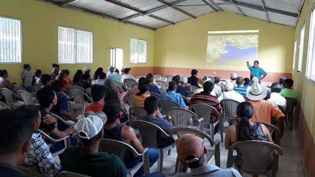 Fotografía de socialización del proyecto en Santa Bárbara. Cortesía de Hidrovolcán.