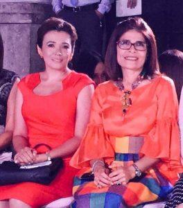 Carol Vanessa Alvarado con Hilda Hernández. Foto de sus redes sociales.