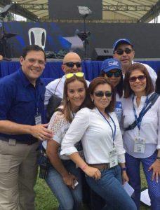 Carol Vanessa Alvarado con funcionarios del gobierno nacionalista, entre ellos Lisandro Rosales, Nelly Jérez e Hilda Hernández. Foto de sus redes sociales.