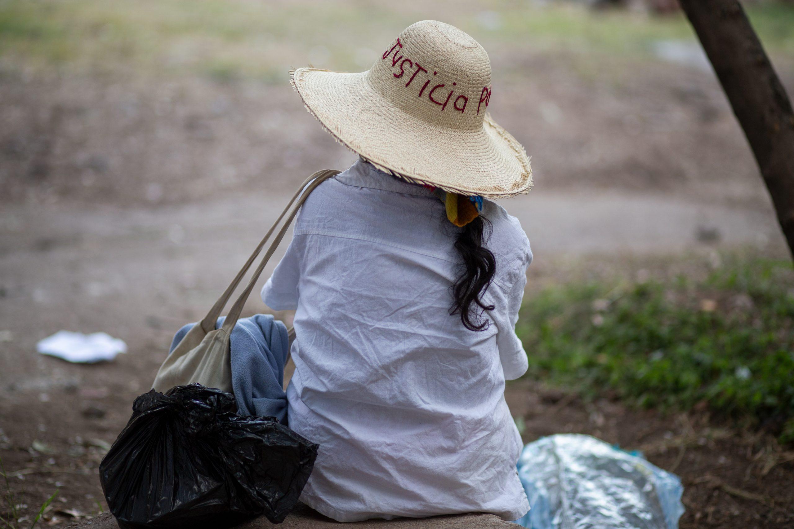 La lucha por justicia, tras el asesinato de Berta Cáceres, ha tenido distintas expresiones que transcurren desde la lucha legal hasta la cosmovisión espiritual de los pueblos indígenas. Tegucigalpa, 17 de mayo de 2021. Foto: Martín Cálix.