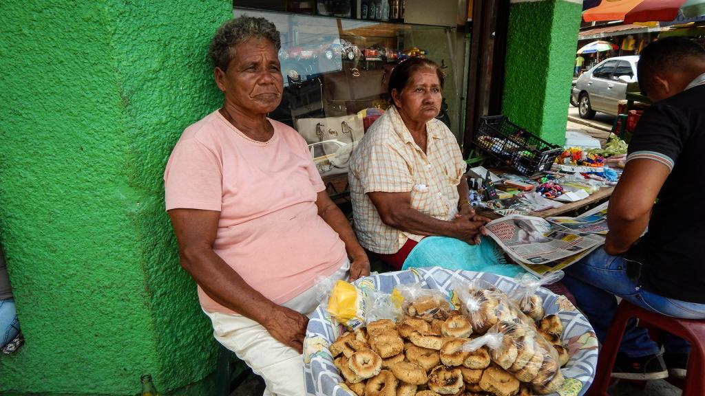 Ancianas en El Progreso, Yoro