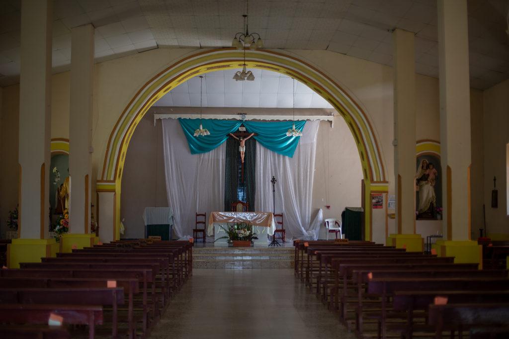 La iglesia católica de la comunidad de Florida luce vacía durante la pandemia. Opatoro, La Paz, 8 de agosto de 2020. Foto: Martín Cálix
